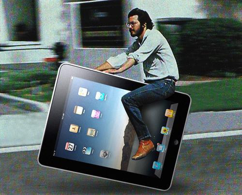Montage photo de Steve Jobs sur une tablette Ipad