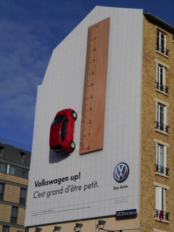 Affichage hors-média pour Volkswagen Up par l'agence V