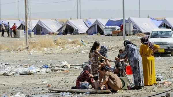 Irak, kurdistan, Erbil,Camp de refugies chretiens Chabaks de la fondation Barzani a Baharka dans la banlieue d'Erbil.