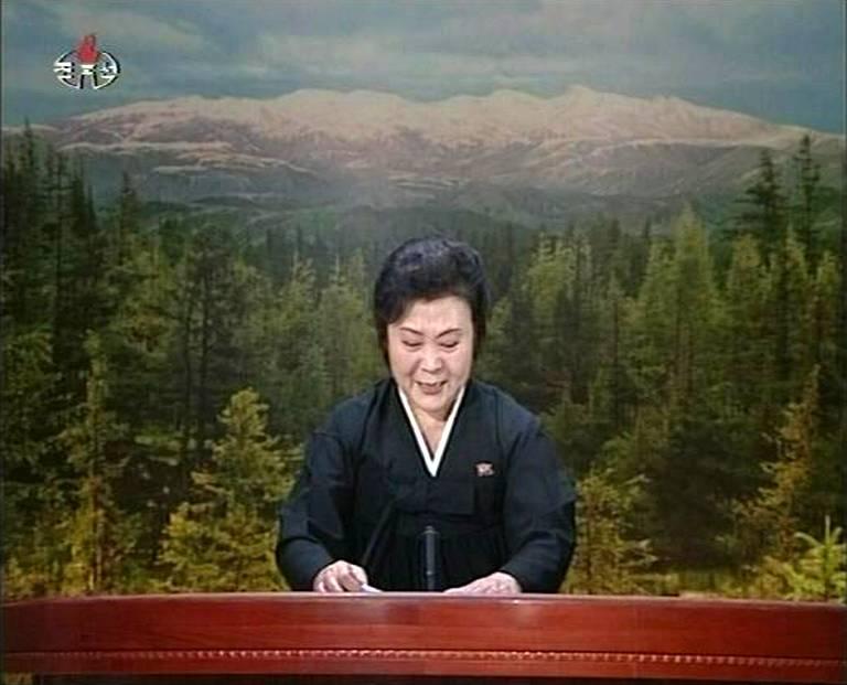 Annonce de la mort de Kim Jong II à la télévision par une présentatrice en pleurs
