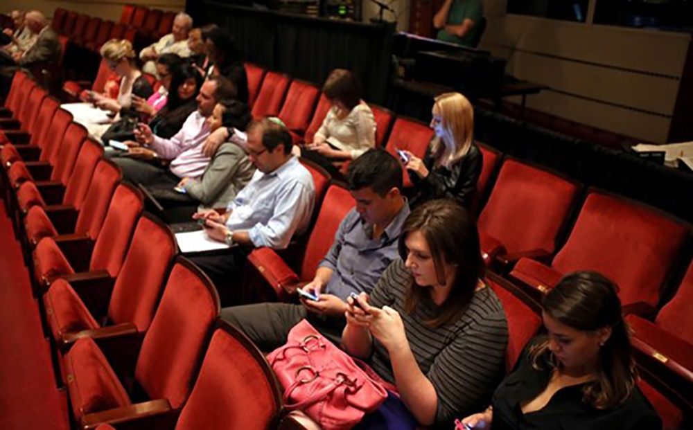 tweet seats fnc